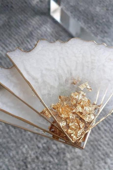 Set of 2 or 4 Table resin coasters Gold & White